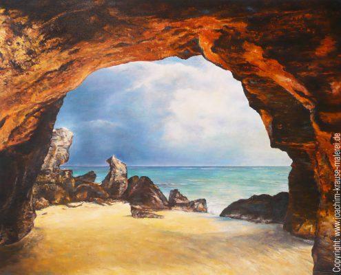 Grotte am Strand